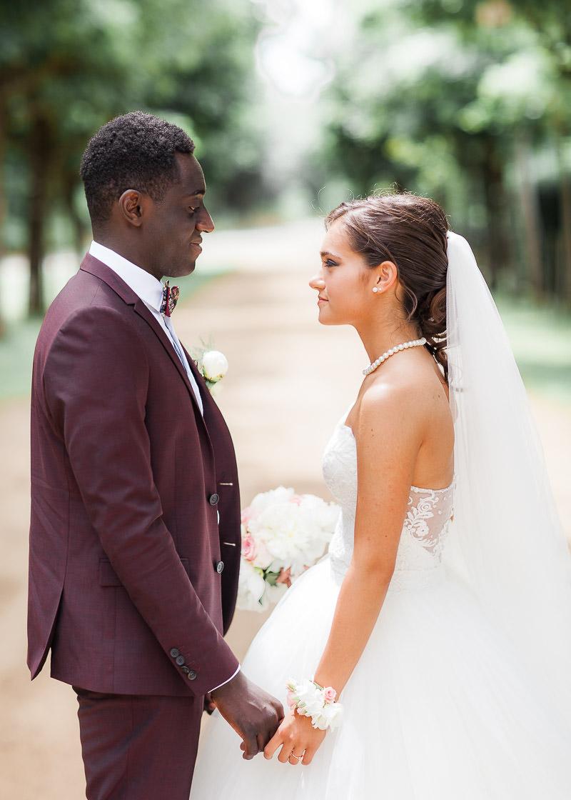 Costume bordeau mariage