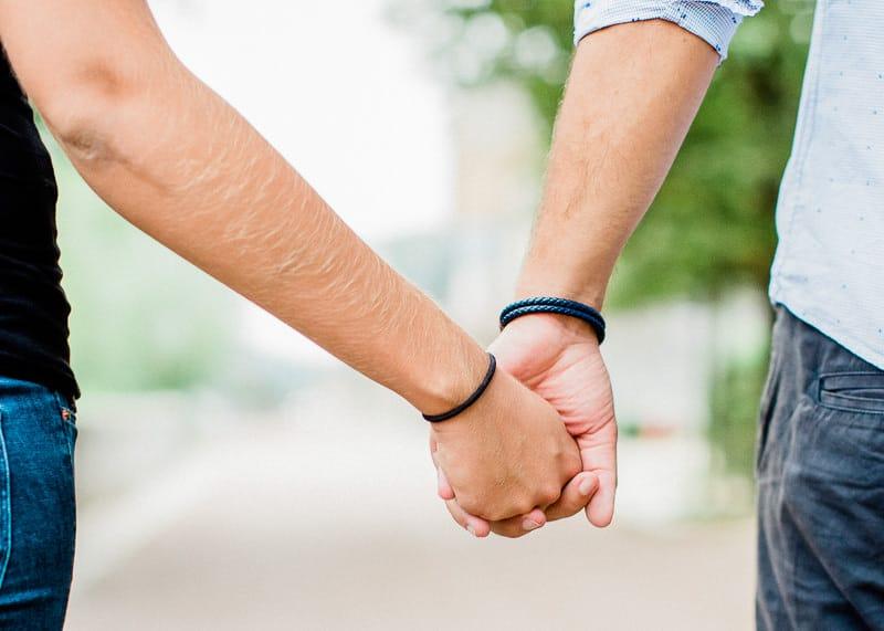 couple d'amoureux séance photo grossesse