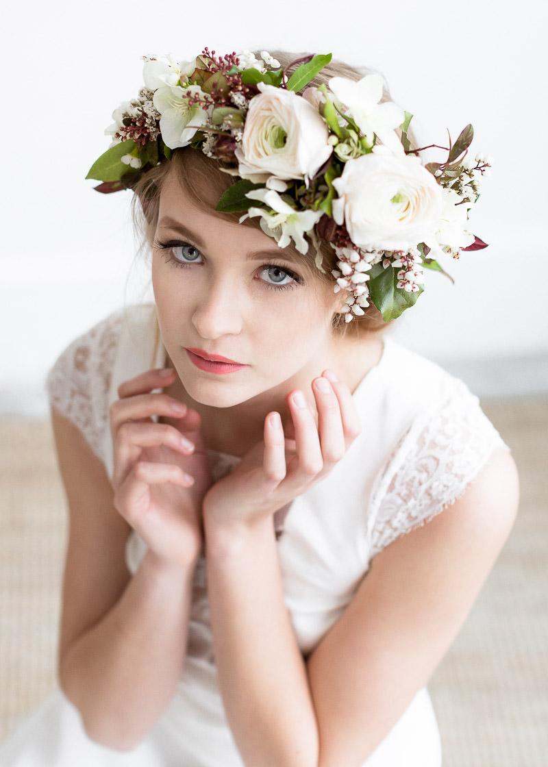 coiffure mariage, fleurs dans les cheveux