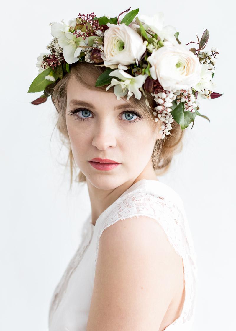 coiffure mariage - couronne de fleurs pour mariée