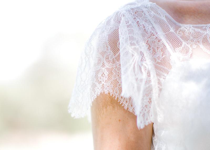 Détail dentelle robe de la mariée