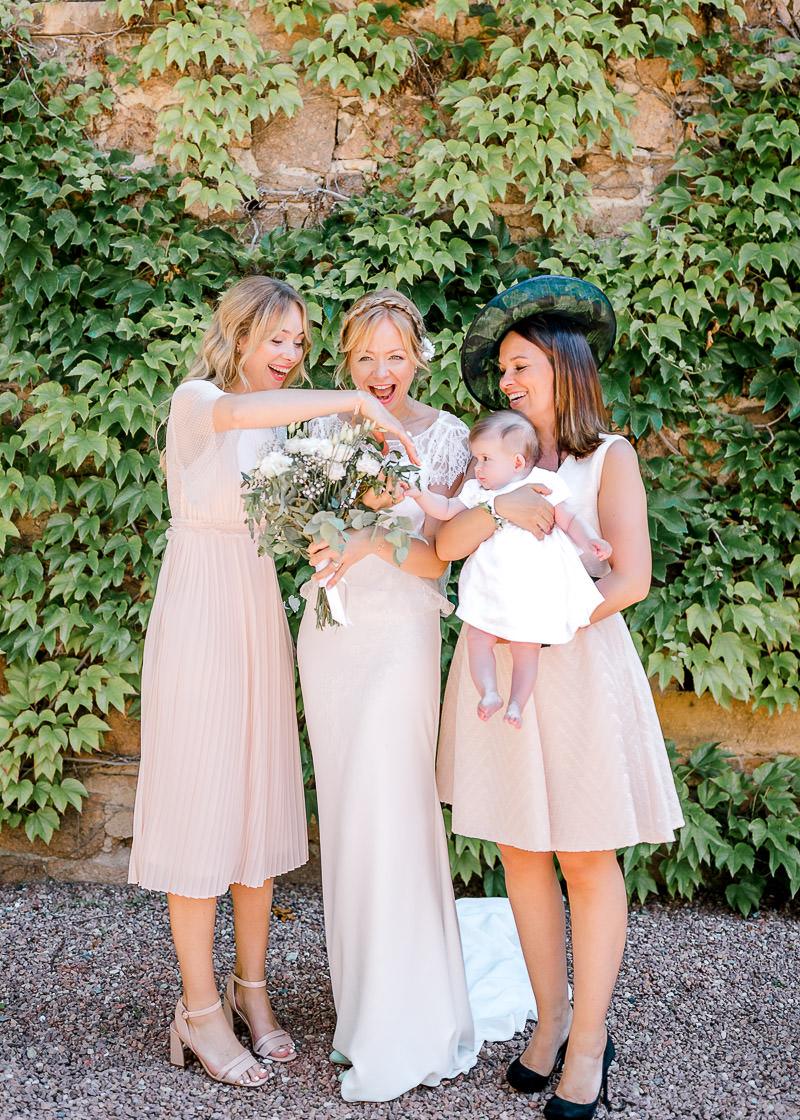 La mariée et ses soeurs au Domaine de la Genetière