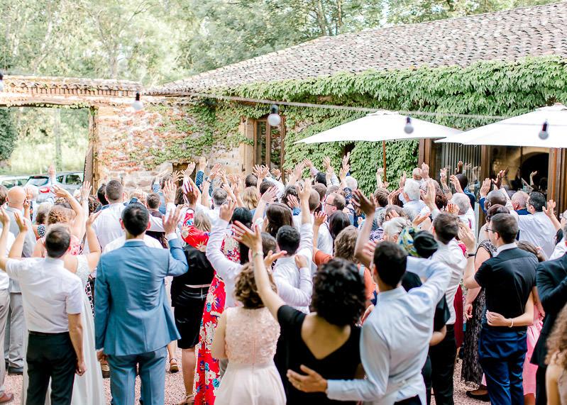 Domaine de la Genetière dans le beaujolais mariage photographe cocktail