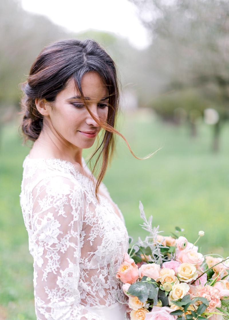 Portrait de la mariée au pavillon sully à pierrefeu-du-var