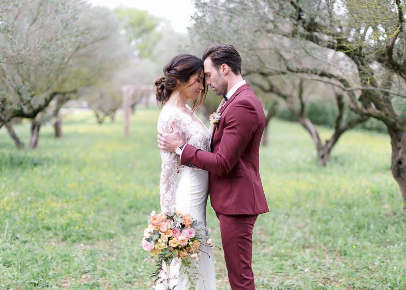 mariée et marié au pavillon sully en provence