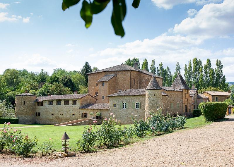 Chateau du sou à lacenas dans le beaujolais