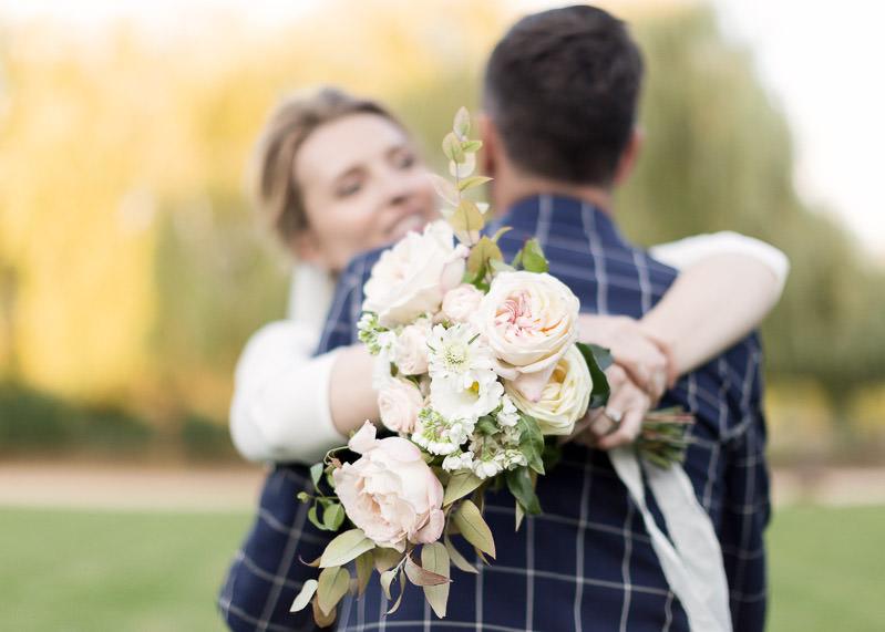 Enlassement du marié par la mariée au chateau du sou