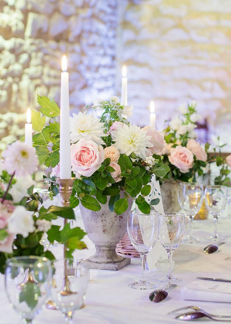 Bougie et fleurs mariage chateau du sou