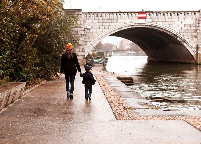 Photographe lifestyle Lyon - Promenade sur les bords de Saône à Lyon