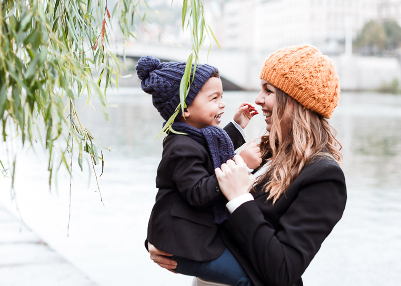 Photographe lifestyle Lyon - Rire d'un enfant