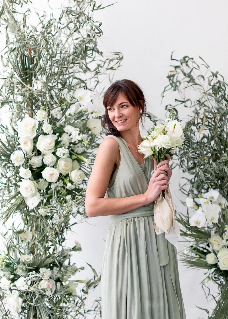 composition mural de fleurs pour mariage