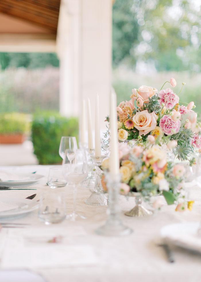 Composition florale table de mariés