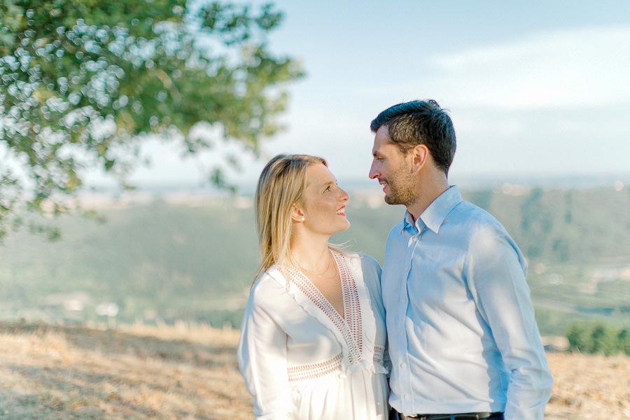 séance engagement lyon - couple souriant