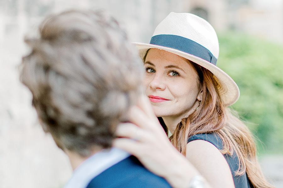 séance engagement lyon - LA dame au chapeau