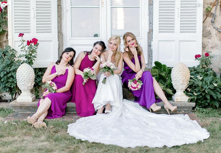 Mariée et demoiselles d'honneurs
