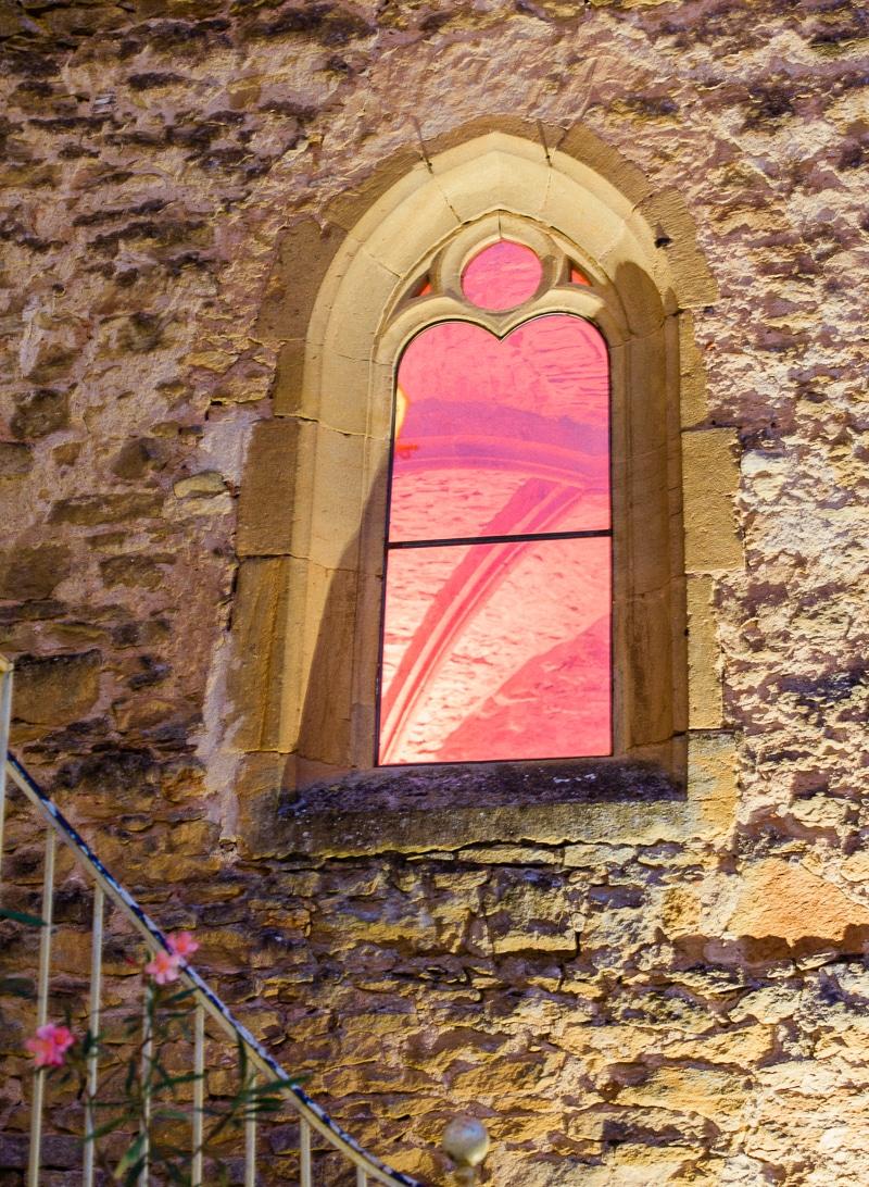 Fenêtre chapelle chateau du sou